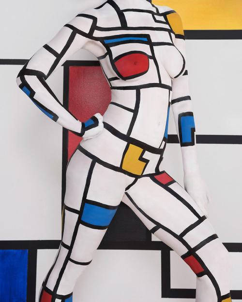 Image 2: Photo de body painting etrange