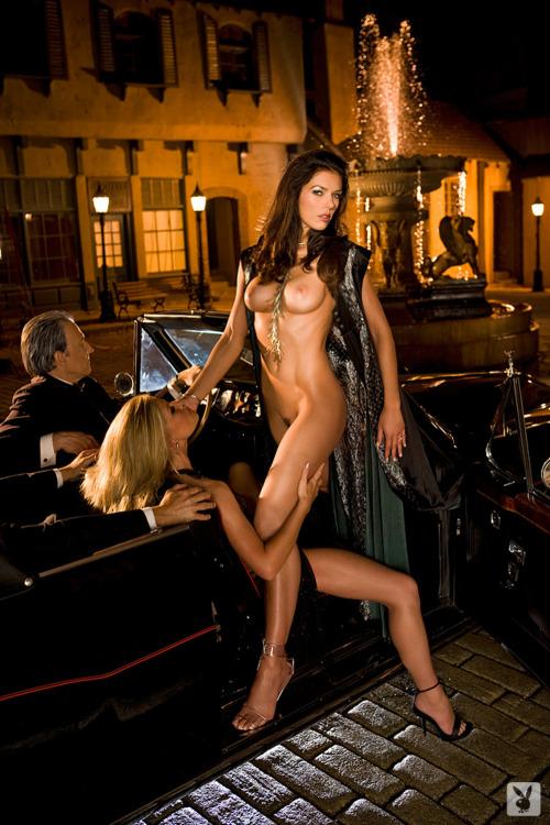Lisa Rinna nue Playboy - hottuxfr