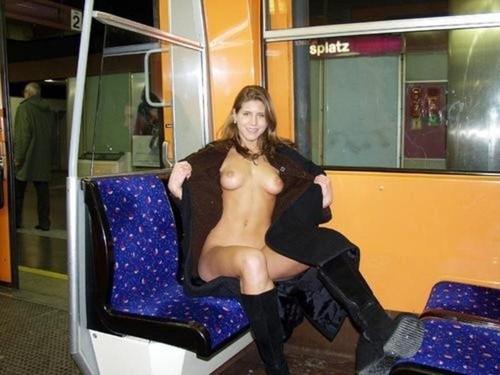 Image 1: Fille exhib a poil dans le train