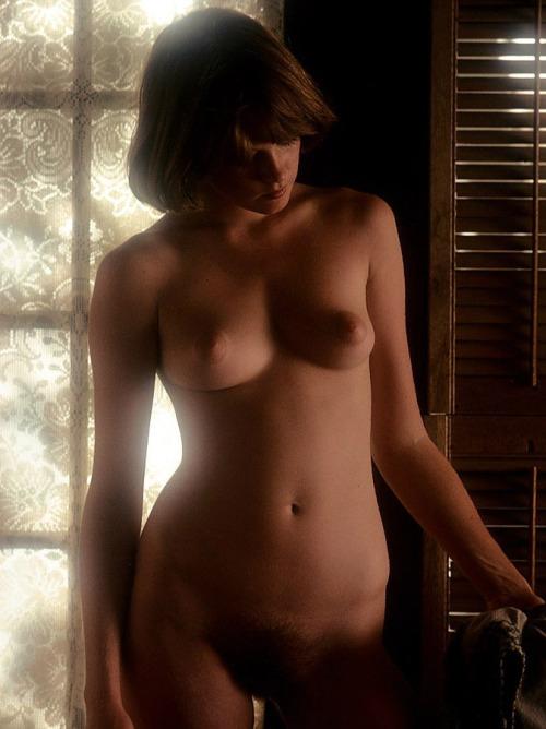 Image 2: GIF de Melanie Griffith qui montre ses seins