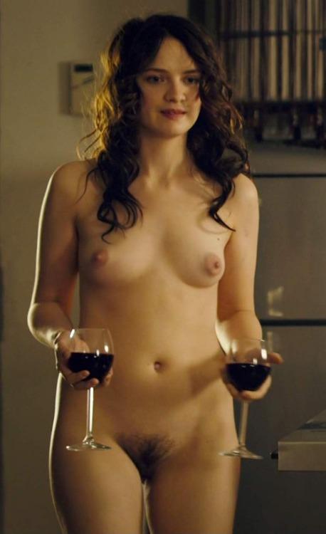 Image 1: Sara Forestier nue et chatte poilue