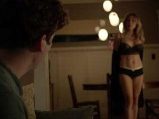 Image 1: Sasha Alexander nue dans une scene de sexe torride