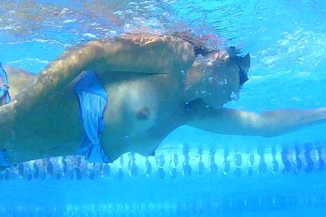 Image 1: Voici les nouvelles photos de oops a la piscine