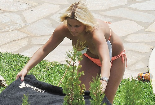 Image 1: Les seins nus de Sam Faiers