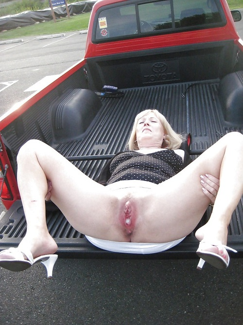 Dogging wife fucked by strangers in october 2014 4