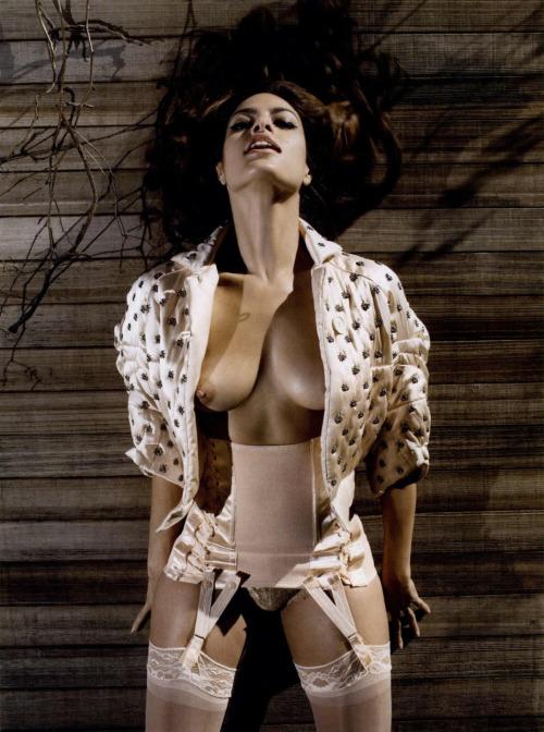 Image 1: Photos des seins d Eva Mendez nue