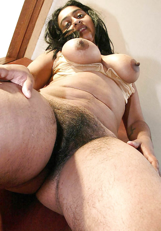 Image 2: Special branlette sur une femme moche nue