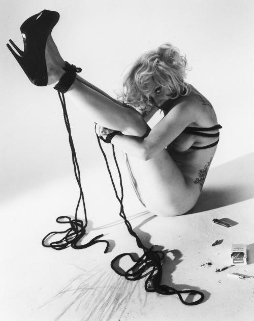 Image 1: Les photos SM et topless de Lady Gaga