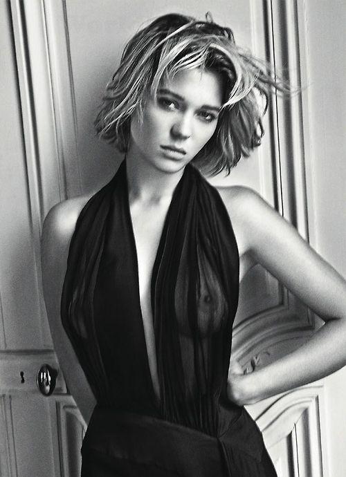Image 1: Lea Seydoux nous montre ses tetons