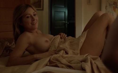 Image 1: Sasha Alexander seins nus dans Shameless