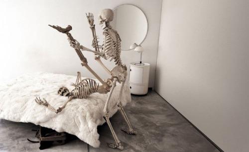 Image 1: LOL Ce couple est surement reste coince en baisant
