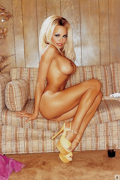 Image 1: Pamela Anderson nue et ultra sexe