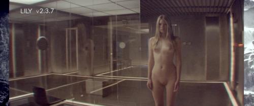 Image 3: Les filles nues du film Ex Machina