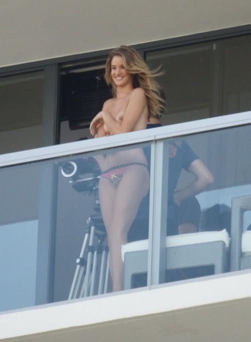 Image 1: Rosie Huntington Whiteley topless