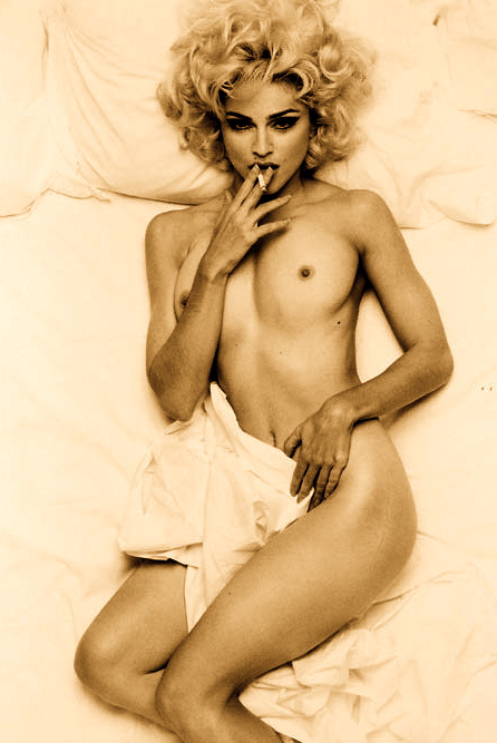 Image 1: Madonna topless et sexy