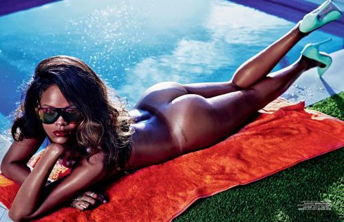 Image 3: Envie baiser Rihanna sur ses meilleures photos nue