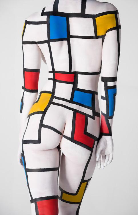Image 3: Photo de body painting etrange