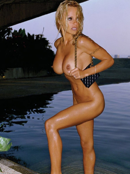 Le clitoris de pamela anderson good luck!
