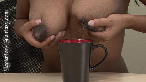 Image 4: Fille black aux seins gorges de lait