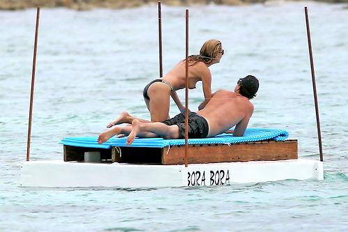 Image 5: Heidi Klum nue a la plage