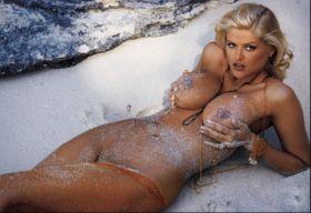 Photos des gros seins d'Anna Nicole Smith nue