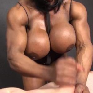 Video porno avec une bodybuildeuse ...