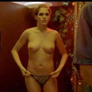 Amanda Righetti nue dans ses films