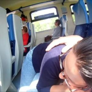 Exhib sexe filmée dans le train: Fe...