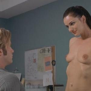 Paulina Porizkova nue dans le film ...