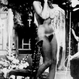 Raquel Welch nue: Gros seins et cha...