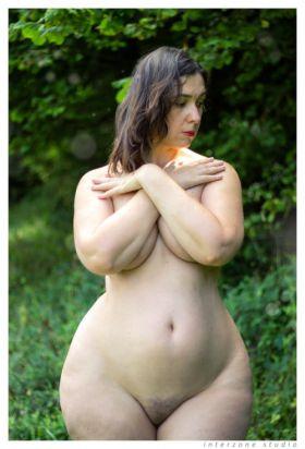Cette femme avec un gros cul est sexy depuis Kim Kardashian
