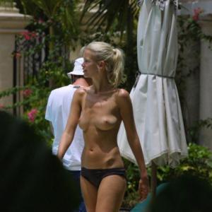 Nouvelles photos de Claudia Schiffe...