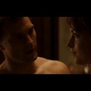 Sexe avec Dakota Johnson nue dans 5...
