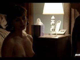 Morena Baccarin nue dans des scènes de sexe de la série Homeland