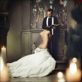 La mariée a été très gentille avec le curé