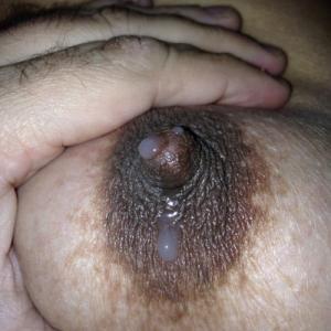 Quelques photos de mes seins pleins...