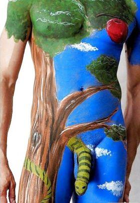 Body painting masculin: Un serpent sur la bite