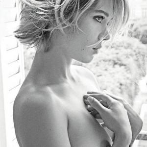 Lea Seydoux topless !