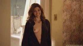 Les seins de Callie Thorne nue dans Califonication