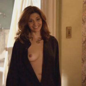 Les seins de Callie Thorne nue dans...