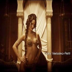 Anne Charrier nue dans les scènes s...