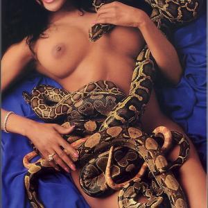 LaToya Jackson topless !