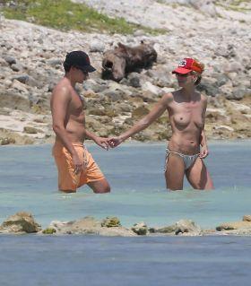 La suite des photos topless d'Heidi Klum