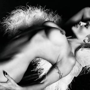 Pamela Anderson complétement nue !