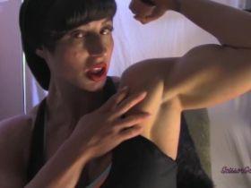Cette bodybuildeuse nympho fait des webcams sexe