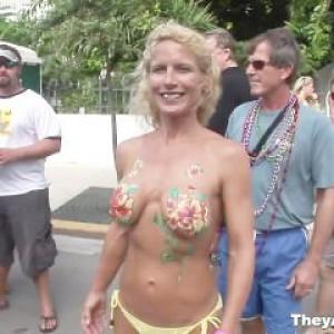 Body painting: Femmes peintent et n...